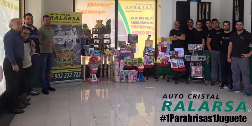 Recogida de juguetes de Auto Cristal Ralarsa Las Palmas